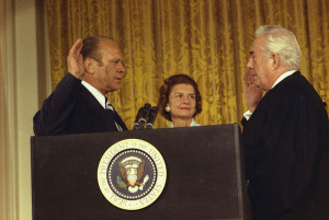 Picture of Justice Burger Swearing In President Gerald Ford.
